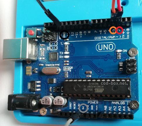 Arduino UNO pinout HC SR04